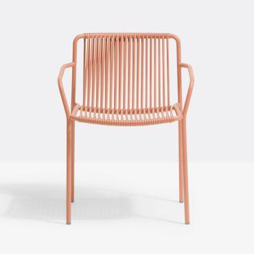 כסא מתכת עם ידיות מתאים למסעדה